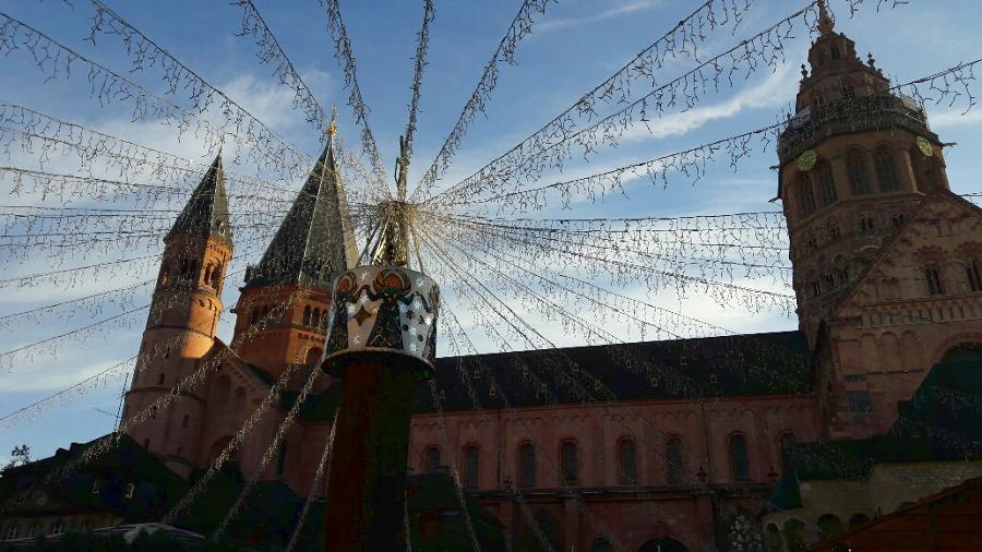 Weihnachtsmarkt am Mainzer Dom